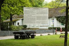 Aufhaengen-Bilder-Yvonne-Salzmann-BH-Umhaengen-Mai-Juni-11-1