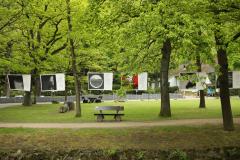 Aufhaengen-Bilder-Yvonne-Salzmann-BH-Umhaengen-Mai-Juni-11-3